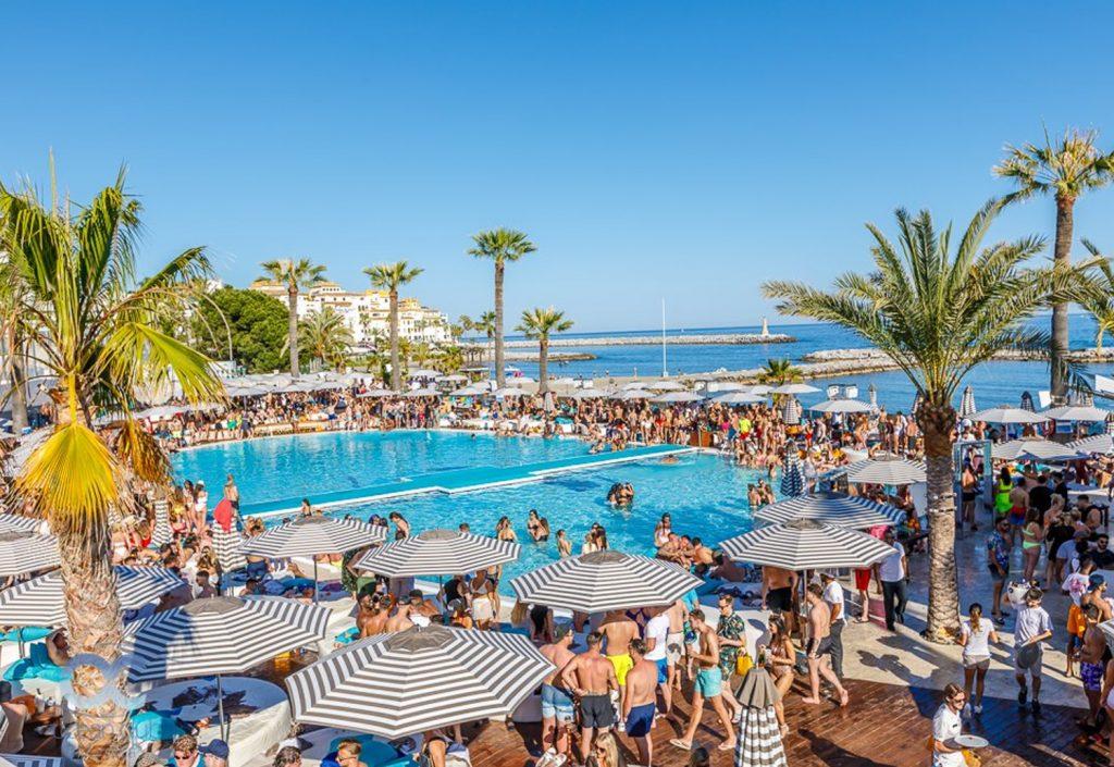 Ocean Club Champagne Party 1024x705 - Ocean Club