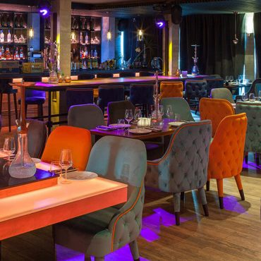 mosh marbella puerto banus 370x370 - Marbella Restaurants